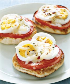 english_muffin_egg_pizzas-1